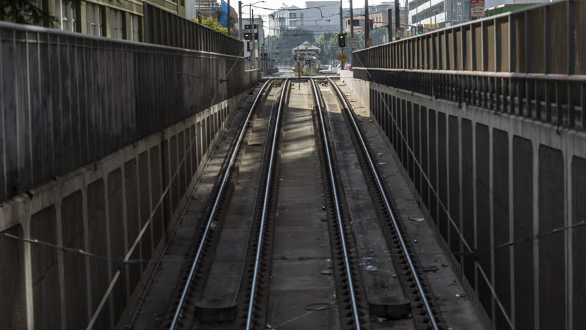 Time lapse of los angeles metro train pulling in to station | Shutterstock HD Video #1007500882