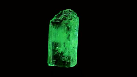crystal emerald and gemstone raw