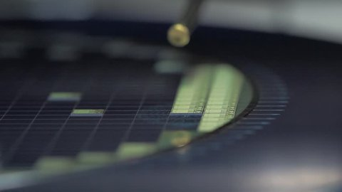 pick up silicon die in silicon wafer in semiconductor manufacturing