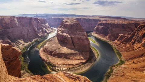 Moving timelapse reveal of Horseshoe Bend in northern Arizona.
