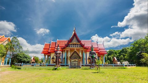Wat saphan Leuxk, the landmark of Buddhism, places of beauty. The temple has murals that are Buddhist stories of the Buddha. The temple is the largest reclining Buddha in Thailand at Chanthaburi. Time
