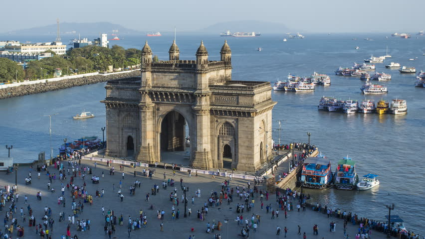 Jan 2018, India, Mumbai, Maharashtra, The Gateway of India, monument commemorating the landing of King George V and Queen Mary in 1911 - day to night time lapse