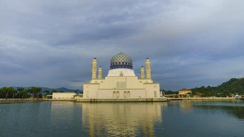 Time-lapse of sunset at Likas Mosque(Masjid Bandaraya Likas), Kota Kinabalu, Sabah, Malaysia.