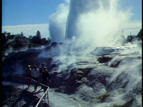ROTORUA, NEW ZEALAND, 1985, geothermal area, geysers, Pohuto, crowd watches