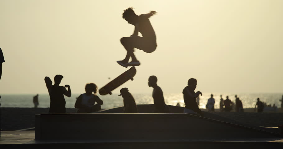 LOS ANGELES - CIRCA AUGUST 2018: Skateboarders in Venice Beach