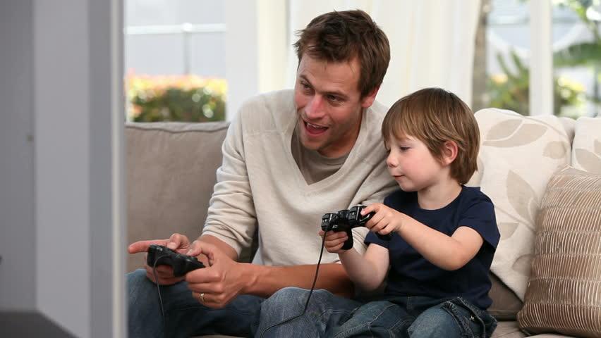 парень с сыном видео