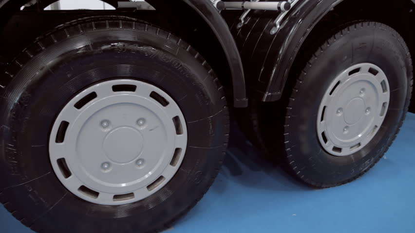 Fuel Truck Wheels >> Shiny Wheels Of A White Stock Footage Video 100 Royalty Free 1019808592 Shutterstock