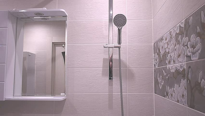 Hd00 25the Interior Of The Bathroom With Built In Shower Mirror With