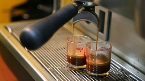 Espresso coffee extraction with bottomless filter