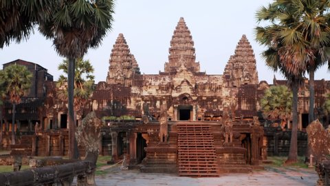 Sliding view of monumental Angkor Wat temple built in 12th century by khmer civilization and dedicated to Vishnu. Cambodia