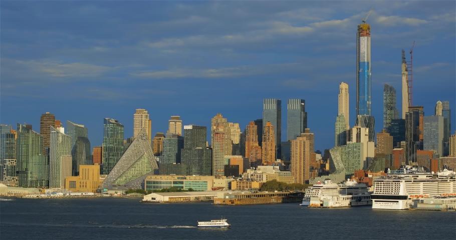Skyline of midtown Manhattan, New York City | Shutterstock HD Video #1042252012