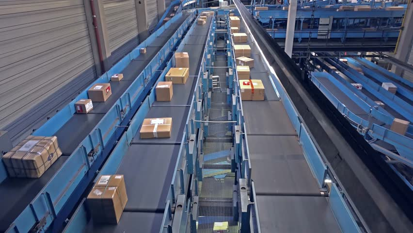 Conveyors with parcel time lapse - 9999 percent faster than the original speed