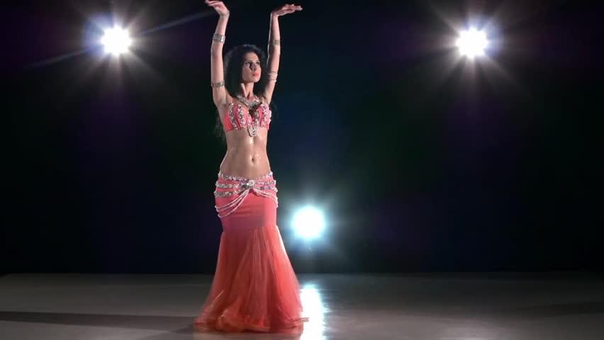 Beautiful exotic girl dancers foto 675