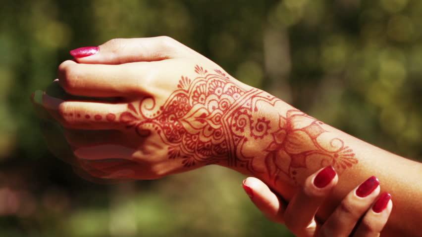 Mehndi Tattoo Hd : Woman hand with mehndi henna tattoo closeup stock footage video