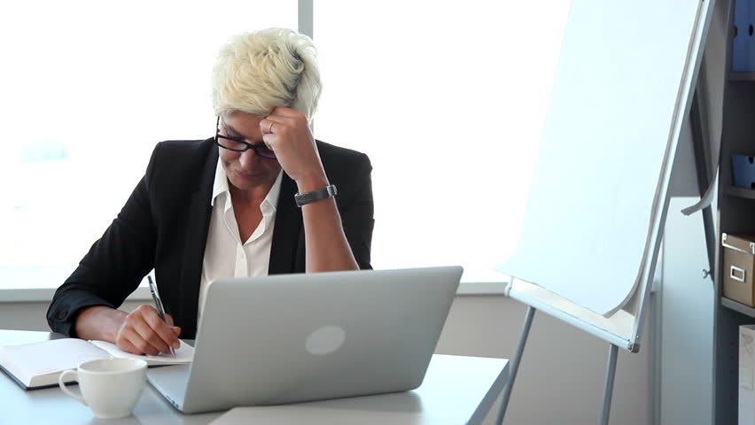 stress in the work place Stress, anxiety, and anxiety disorders in the workplace: snapshot self-reporting of anxiety symptoms and prescription medication use are high among america's employees, but diagnoses of anxiety disorders are dramatically lower.