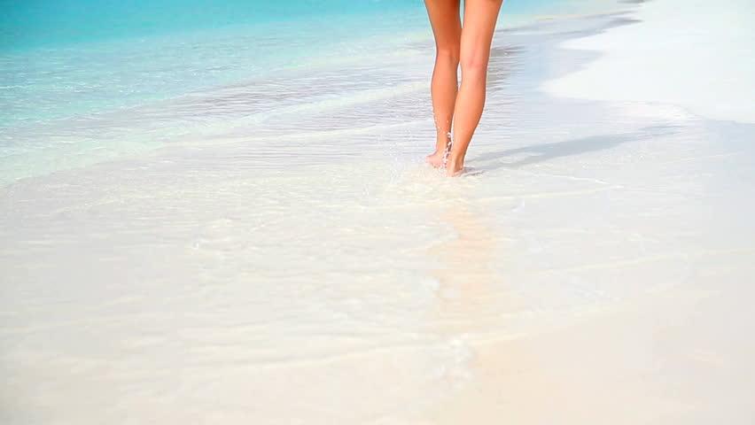 Bare Legs Feet Young Latin American Girl Walking By Ocean -1816