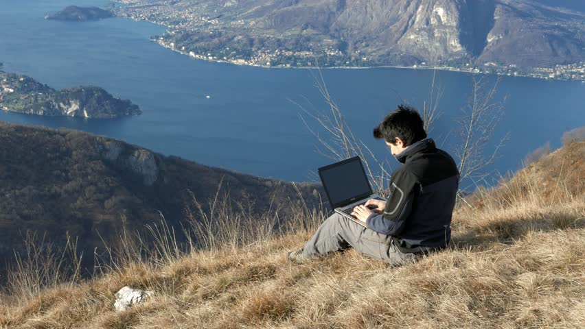 "Résultat de recherche d'images pour ""newsletter on beach and mountain laptop"""