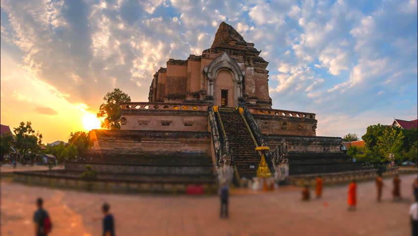 4K.Time lapse Landmark of Chiang Mai Ancient pagoda at Wat Chedi Luang temple 700 years in Chiang Mai, Asia Thailand