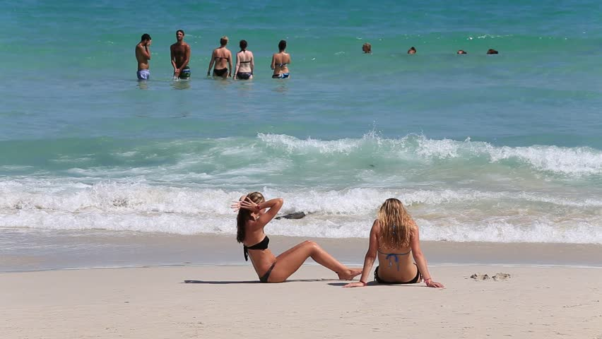 KOH PHANGAN,THAILAND - DECEMBER 5, 2014: Haad Rin beach before the full moon party. Unidentified people arrived on the island of Koh Phangan, to participate in the Full Moon party