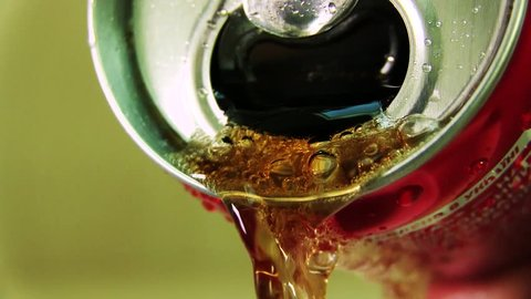 Pouring Soda / Brown Soda derives from the red iron banks down, releasing bubbles and foaming.