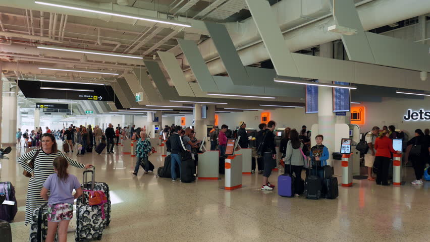 melbourne airport sits right - 820×462