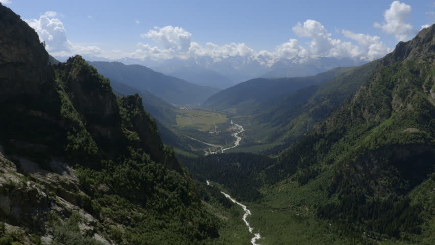 WS Landscape with valley in Mount Ushba area in Caucasus mountains / Svaneti, Georgia (August, 2015 - Svaneti, Georgia) #21102202