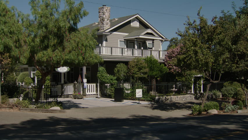 day then push quaint craftsman style small hotel inn bed breakfast b b our friends