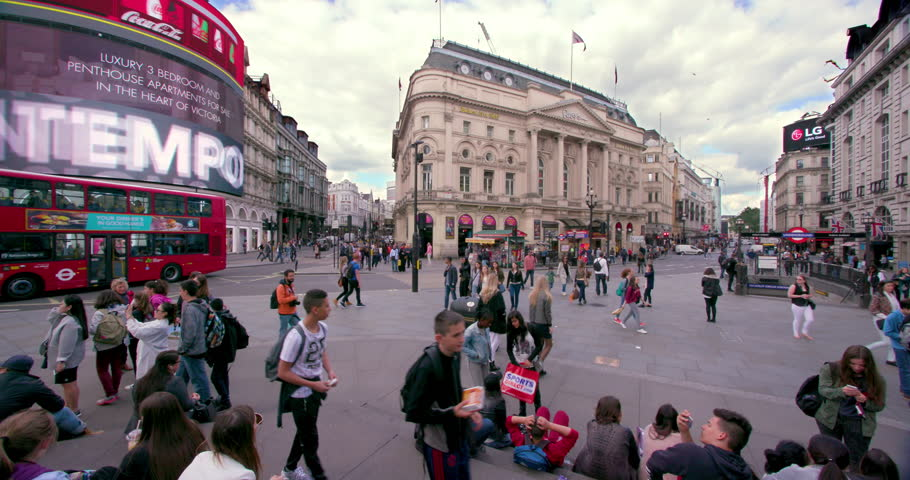 UNITED KINGDOM, LONDON - MAY 2016: Crowd & Traffic At Junction; Coventry Street London England