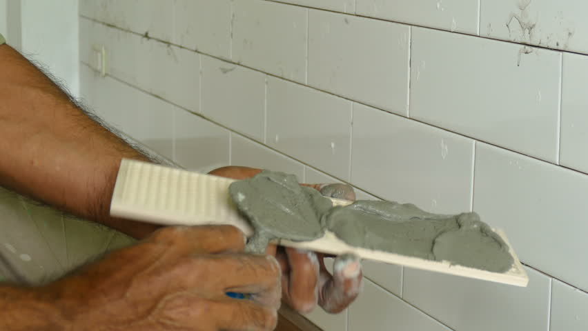 Gluing ceramic tile
