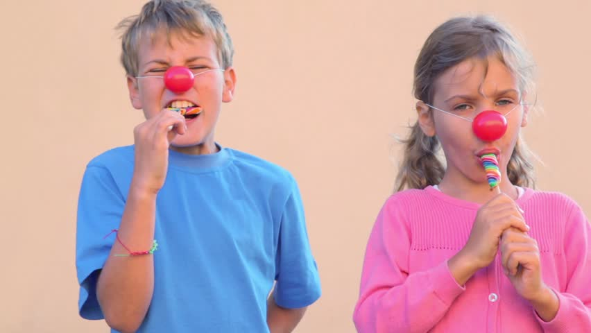 Two Kids Boy And Little Girl With Clown Noses Play -3141