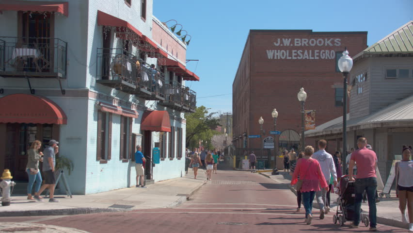 Wilmington Nc 2017 Historical Riverwalk Street Scene With Tourists Visiting And Exploring The