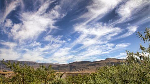 """A cloudscape time lapse in the uKhahlamba/Drakensberg Mountains (""""Barrier of Spears"""" in Zulu and """"Dragon Mountains"""" in Dutch). These spectacular mountains are the highest mountains in Southern Africa"""