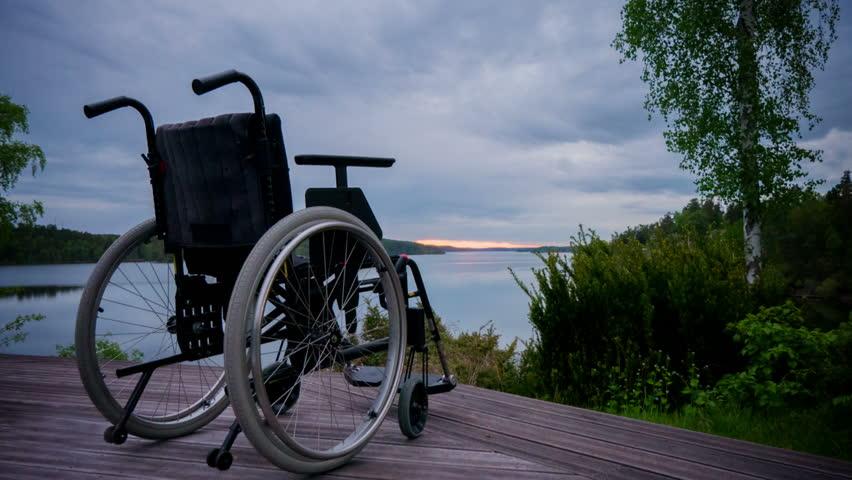 Rüyada Siyah Tekerlekli Sandalye İle Gezmek