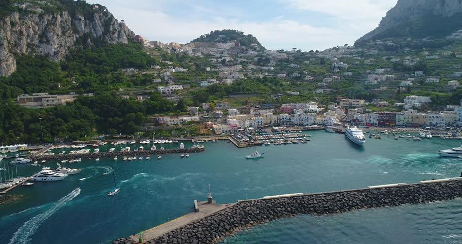 Header of Capri