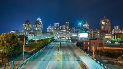 Downtown Cincinnati time lapse at night with traffic 4k 1080p - Time lapse of cincinnati skyline at night in ohio