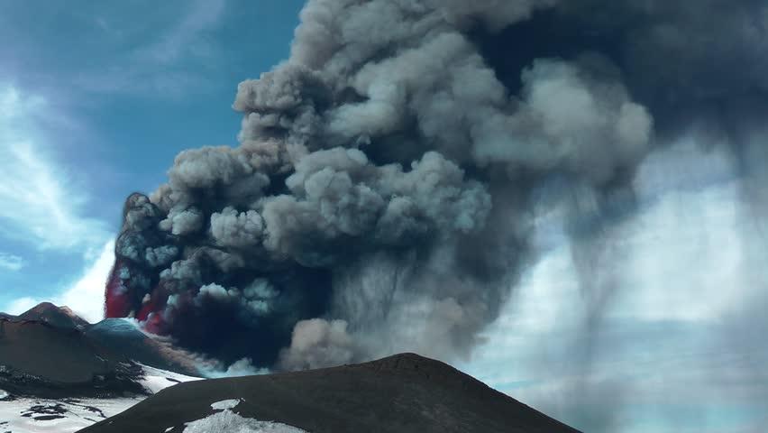 Etna - Lava fountain and ash
