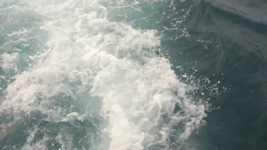 wave water from boat