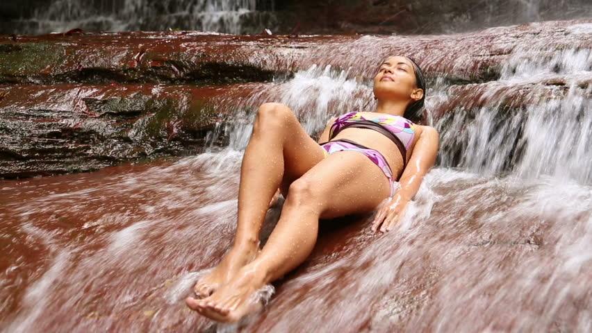 Puremature career woman lisa ann unwind with sexy massage