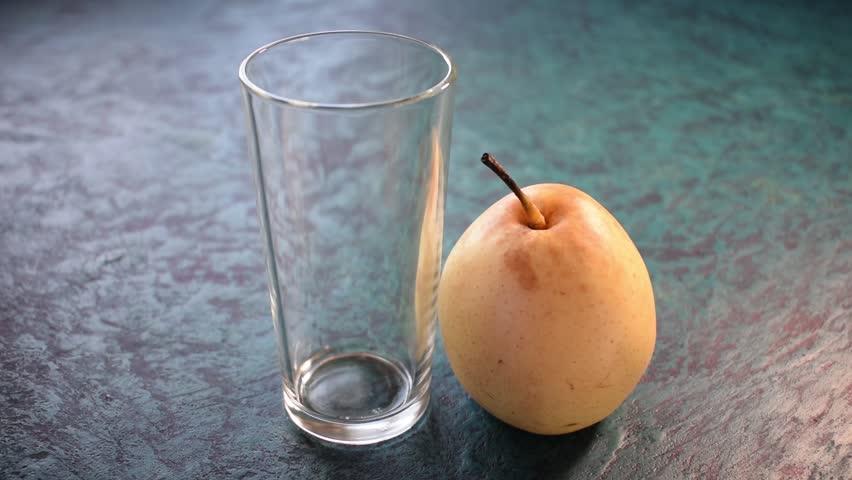 Header of pear