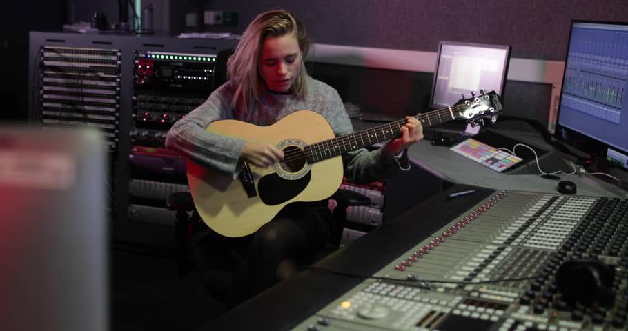Header of songwriter