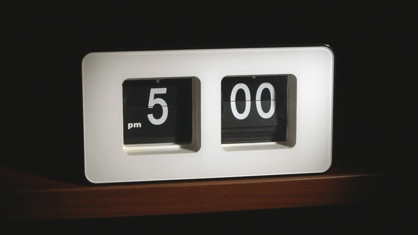 Flip clock mechanism. 5-00 PM. Super slow motion 240 fps.