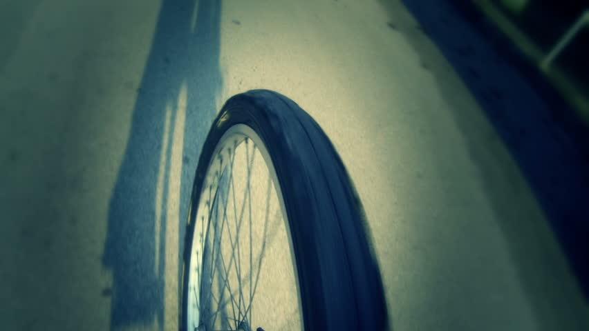 Going by Bike, Wheel View