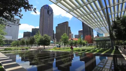Dallas time-lapse Arts District with reflecting pool- day