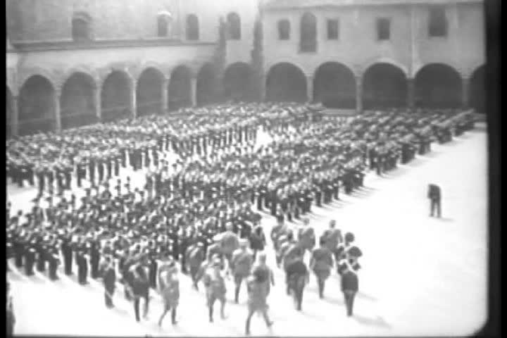 Mussolini parade in 1930.