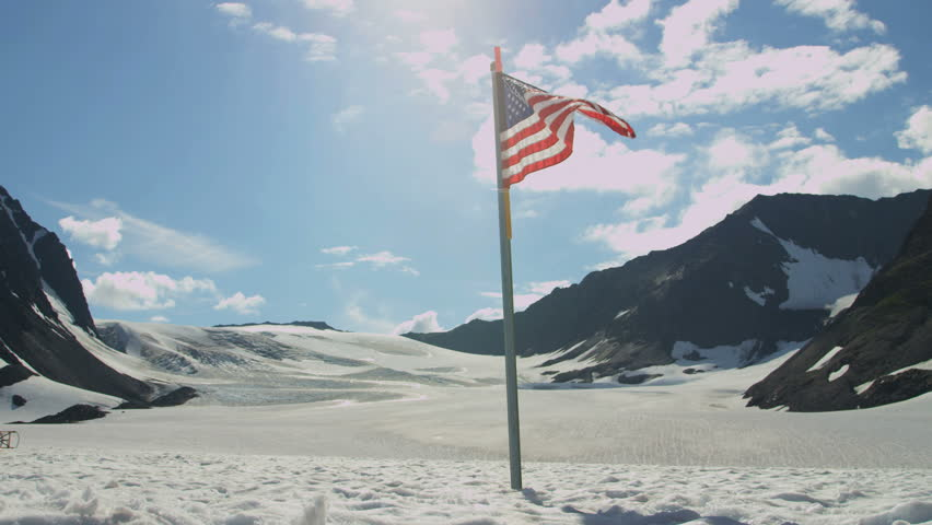 Research Camp Stars And Stripes Flying High Arctic Circle Snow - Usa northern hemisphere