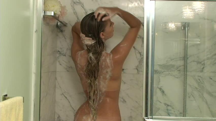 Mature women in communal shower - 3 part 1