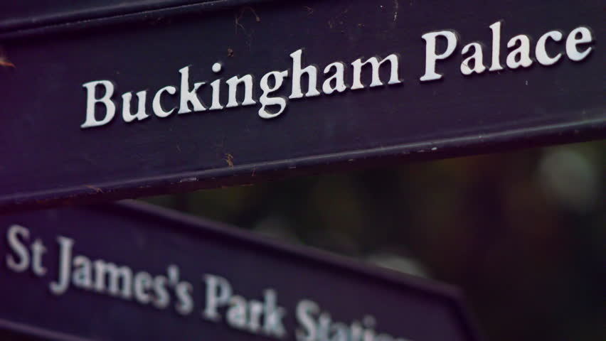 Buckingham Palace sign