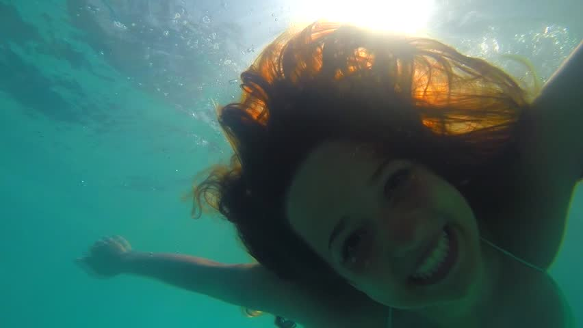 Beauty Young Woman Swimming Underwater In Swimming Pool -2500