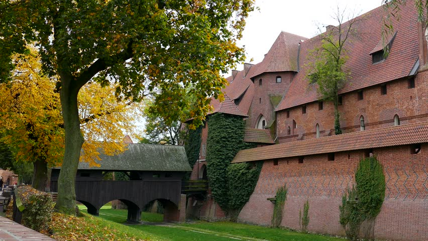malbork poland october 2014 malbork castle the largest castle in the world - Biggest House In The World 2014