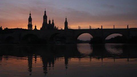 Puente de Piedra (Stone bridge) and Basilica de Nuestra Senora del Pilar in Zaragoza, Spain
